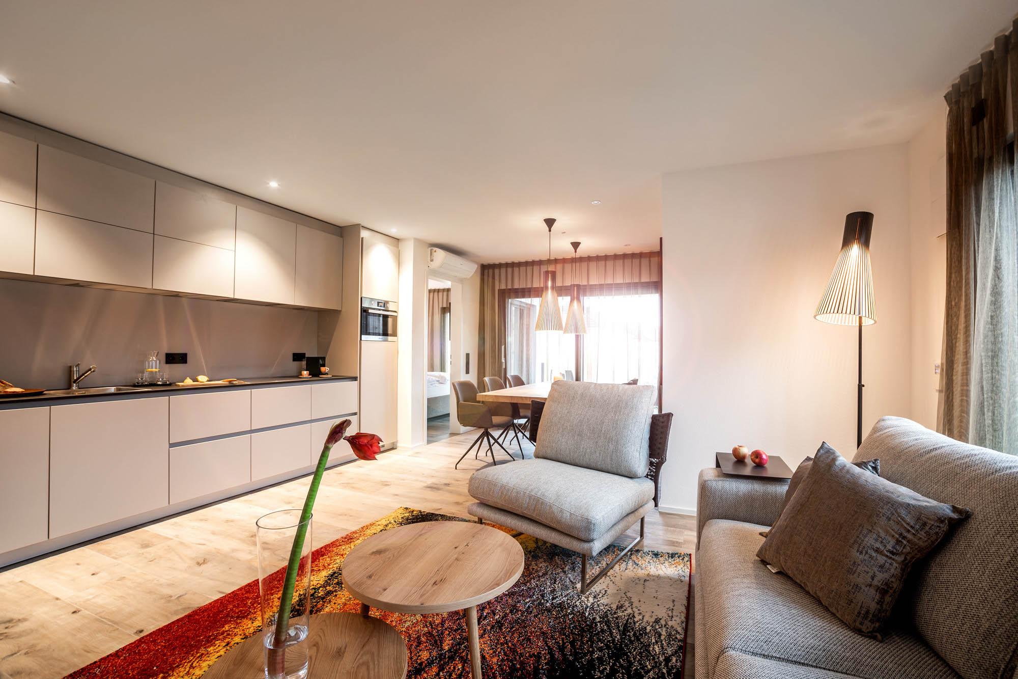 Superior01-Wohnzimmer-Couch